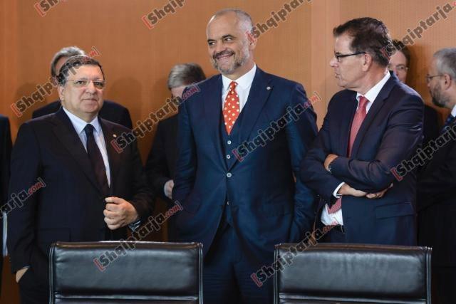 Lajm Samiti-i-Berlinit-Merkel-Korrupsioniproblemi-me-madhor-qe-ka-rajoni