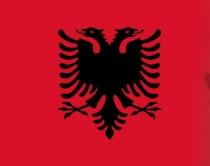 Festa, flamujt me shqiponjë të deformuar, Lafe: Gafë e rëndë